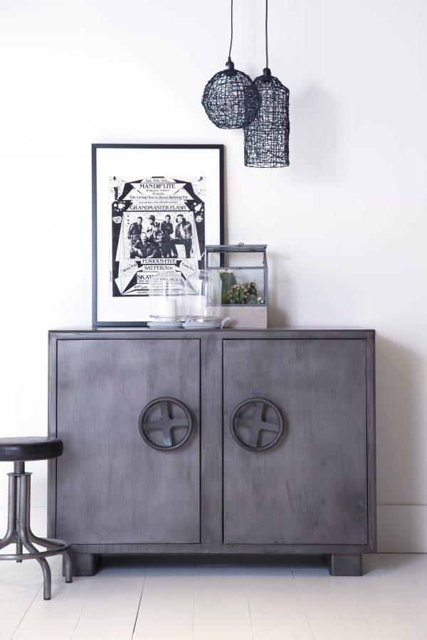 Metalen dressoir, Eleonora