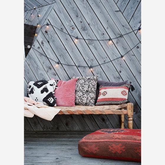Kussenhoes Patroon Roze Rood 50 x 50 - By Madam Stoltz - www.wantsandneeds.nl - CC-12